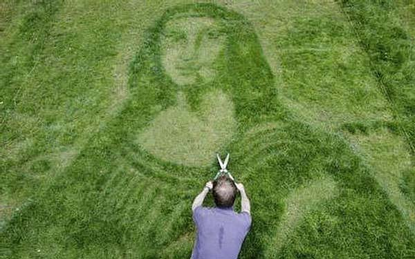 Ultimate in lawn sculpture and a true work of art.